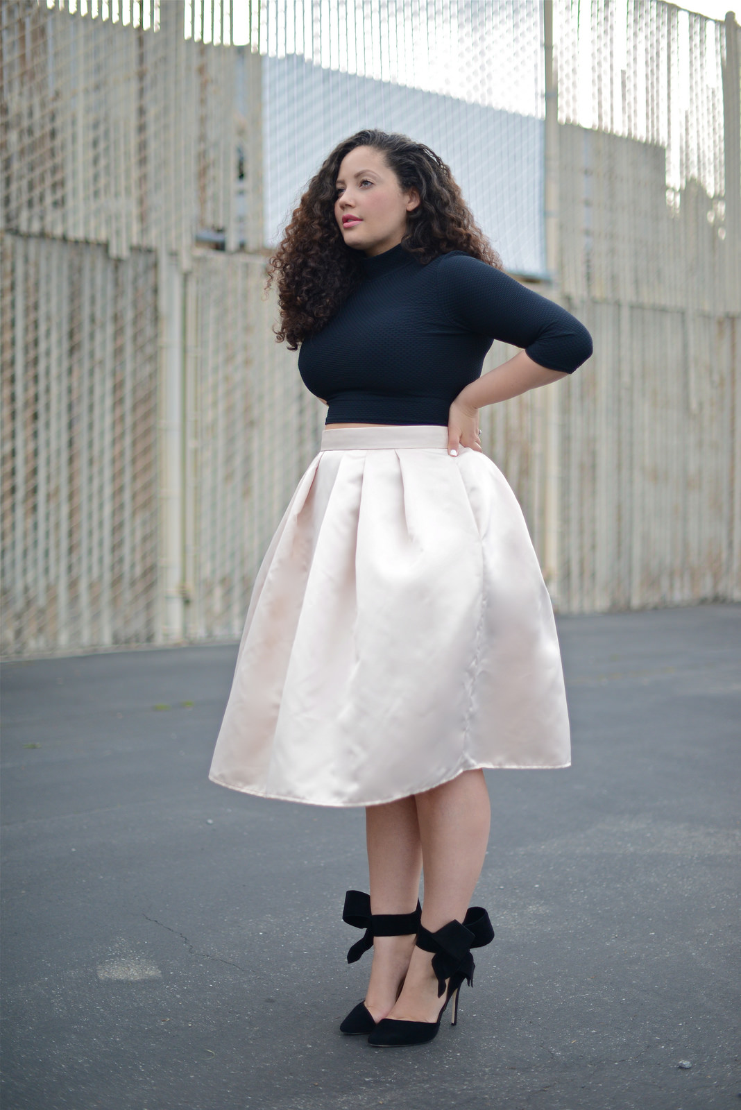Chọn váy mùa đông cho người béo để bụng béo cũng không lo