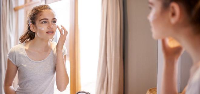 Lại đến mùa hanh khô, học ngay 5 bí quyết giúp làn da luôn mịn màng, bóng khỏe