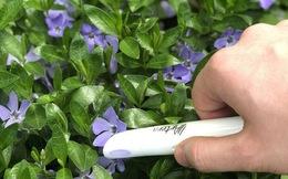 Độc đáo cây bút mực có thể giúp bạn viết mọi màu mực yêu thích chỉ bằng cách quét đồ vật để nhận diện màu