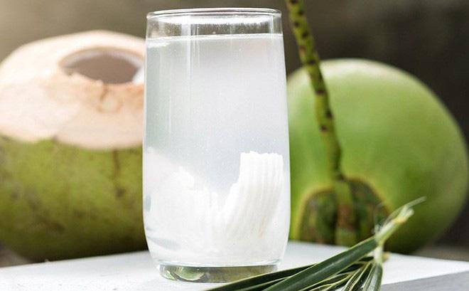 Mỗi ngày một cốc nước dừa vừa giúp giảm cân, dẹp da tốt cho sức khỏe