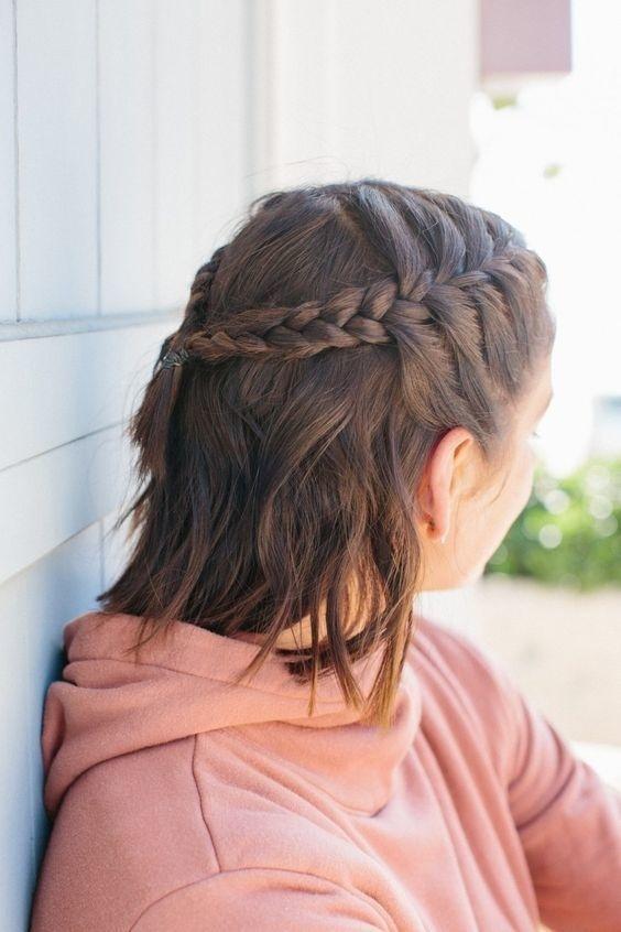 Tóc ngắn trẻ trung có nhiều kiểu buộc tóc thú vị hơn bạn vẫn tưởng đấy nhé!